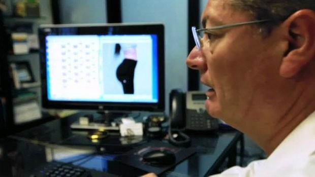 Centenas de mulheres e homens procuram Gallerani interessados em cirurgias corretivas (Foto: BBC)