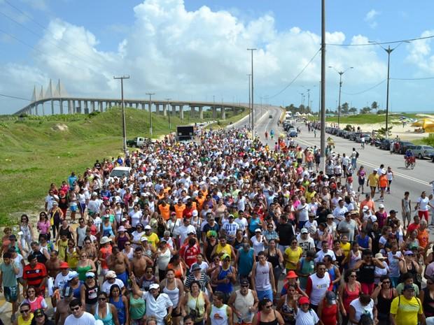 Caminhada do Medida Certa, em Natal, reuniu cinco mil pessoas (Foto: Jocaff Souza/G1)