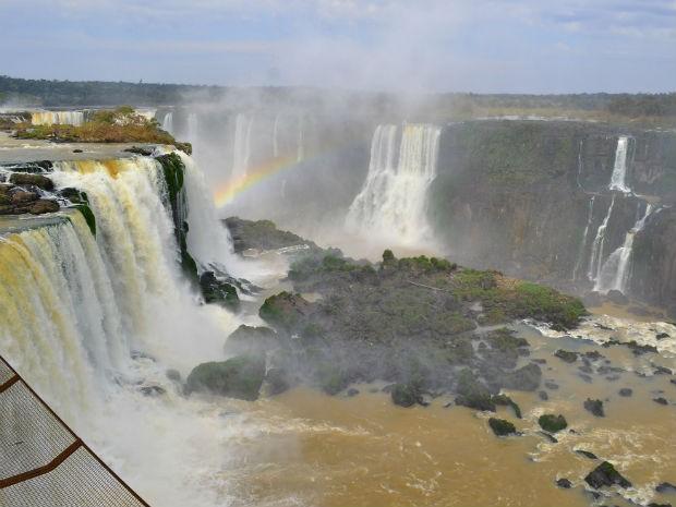 Com vazão baixa, pedras aparecem nas Cataratas do Iguaçu (Foto: Cataratas dos Iguaçu S.A/Divulgação)