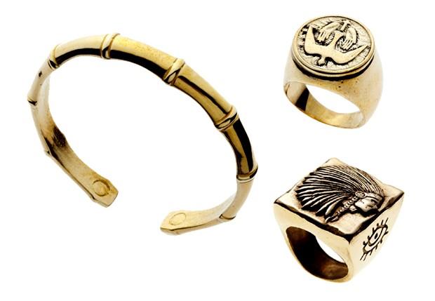 Bracelete (R$ 189) e aneis da marca (R$ 269 o de cima, R$ 285 o de baixo) (Foto: Divulgação)