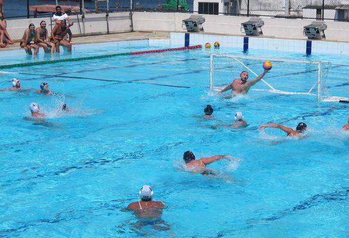 Soro Botafogo e seleção brasileira de polo aquático Pão de Açúcar fundo (Foto: Tiago Leme/Globoesporte.com)
