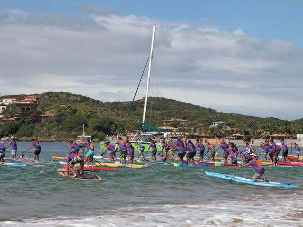 Remadores de Stand Up Paddle de todo Brasil participaram do evento em Búzios, RJ (Foto: Divulgação/Prefeitura de Búzios)