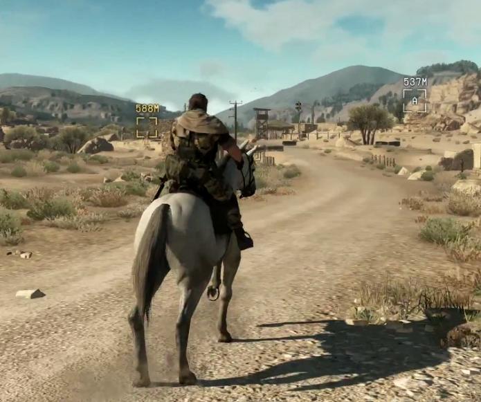 Snake anda de cavalo no trailer (Foto: Reprodução/YouTube)