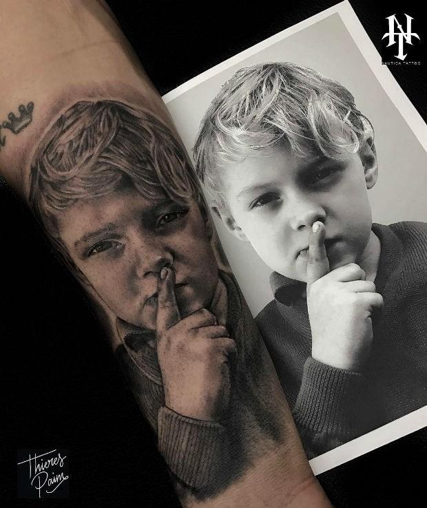 Pais que tatuaram os filhos (Foto: Reprodução/Instagram)