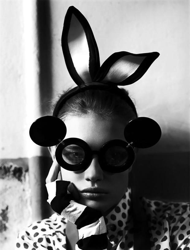 Páscoa sem culpa! Natalia Vodianova by Mario Testino para a Vogue inglesa de maio de 2008  (Foto: Reprodução )