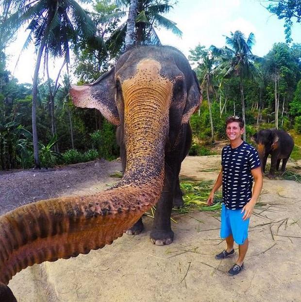 Selfie tirado por elefante em parque na Tailândia vira hit (Foto: Reprodução/Instagram/Christian_leblanc)