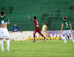 Roger Gaúcho comemora gol no Brinco de Ouro (Foto: Carlos Velardi/ EPTV)