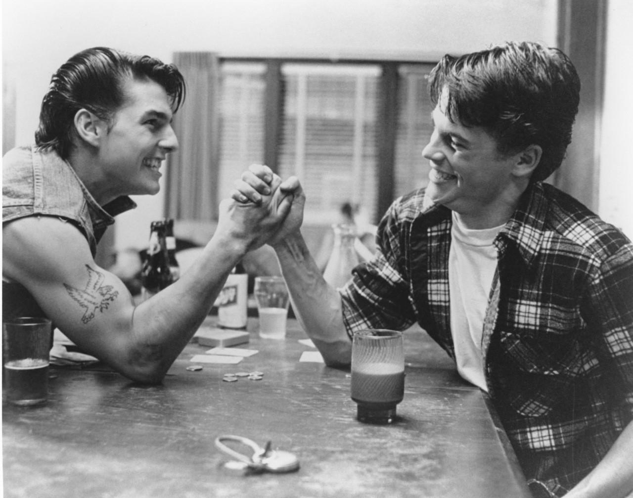 Tom Cruise e Rob Lowe em 'Vidas Sem Rumo' (1983) (Foto: Divulgação)