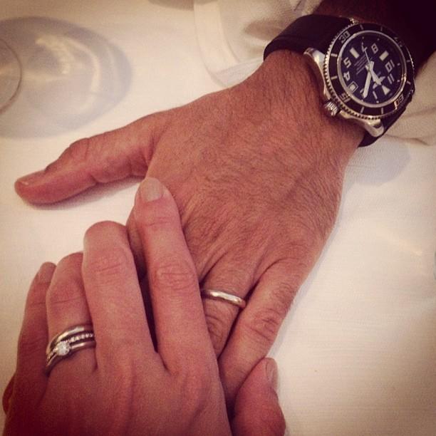 Mãos do casal Juliana Silveira e João Vergara (Foto: Reprodução/Instagram)