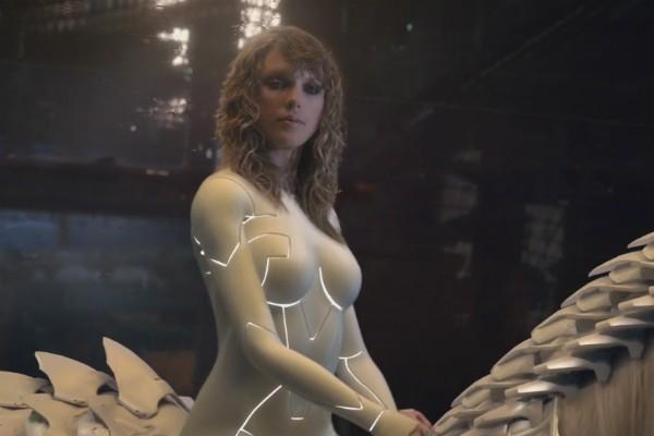 A versão ciborgue de Taylor Swift no clipe de ...Ready for it? (Foto: YouTube)