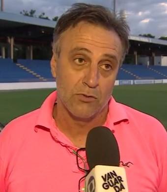 Oliveira técnico São José EC (Foto: Reprodução/TV Vanguarda)
