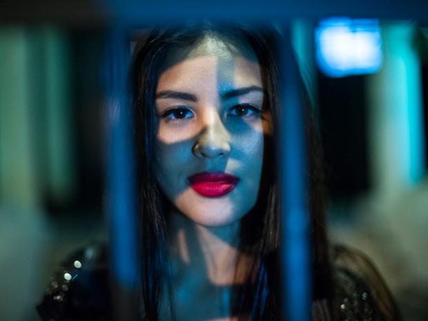 Bela jovem será assassinada por Edu (Foto: Estevam Avellar/TV Globo)