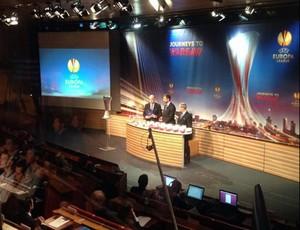 Sorteio Liga Europa (Foto: Reprodução / Twitter)