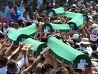 Vítimas de massacre em Srebrenica são enterradas 21 anos depois