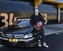 Com Glock, Kubica testa carro de turismo, e não descarta retorno à F-1