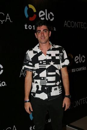 Marcelo Adnet em show na Zona Oeste do Rio (Foto: Rafael Faro/ Divulgação)