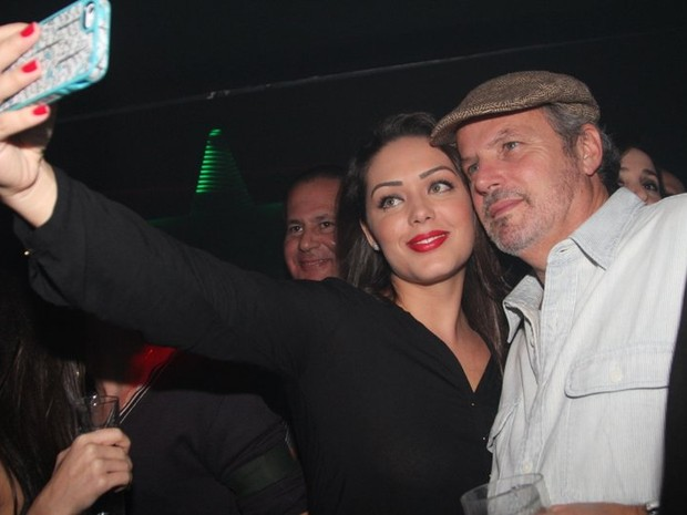 Tania Mara e o diretor Jayme Monjardim em boate no Rio (Foto: Anderson Borde/ Ag. News)