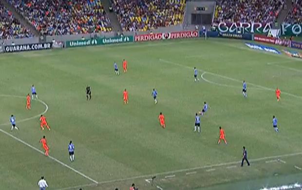 Grêmio x Fluminense - Impedimento polêmico de Kleber (Foto: Reprodução / SporTV)