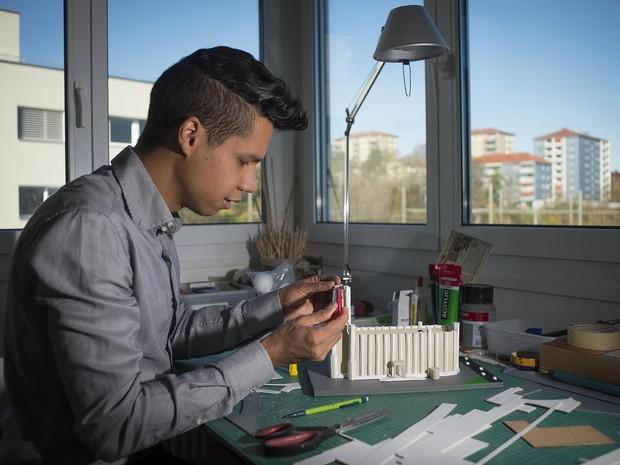 Luciano Xavier dos Santos é capixaba e vai fazer exposição na Suíça (Foto: Divulgação/ La Liberté)