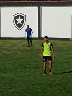 Diogo Botafogo (Foto: Marcelo Baltar)