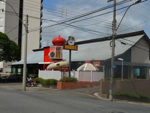Restaurante do Habib's na Avenida Independência, em Piracicaba (Foto: Araripe Castilho/G1)