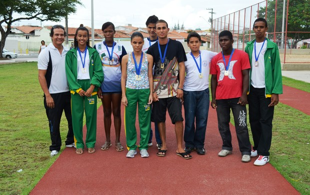 Alunos garantiram o primeiro lugar para a escola  (Foto: Felipe Martins/GLOBOESPORTE.COM)