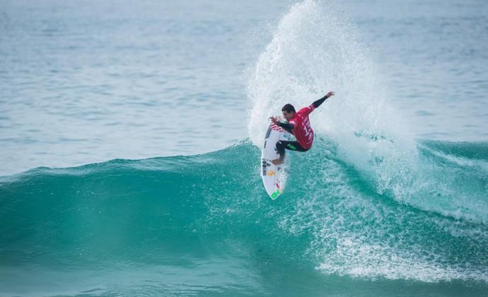 Adriano de Souza Mineirinho Peniche surfe (Foto: Divulgação/WSL)