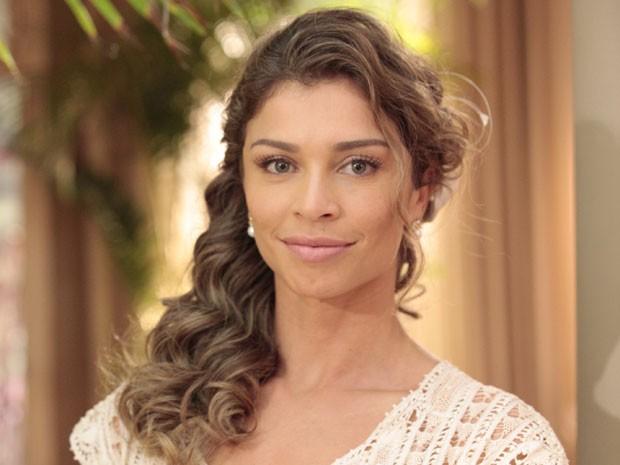 Ester optou por um penteado simples, mas glamouroso (Foto: Flor do Caribe / TV Globo)