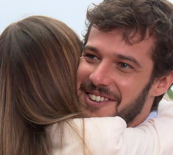 Jayme Matarazzo é surpreendido pela esposa no 'Estrelas' (Foto: TV Globo)