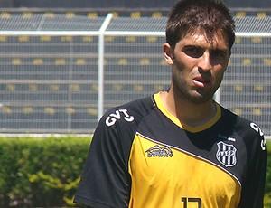 Diego Sacoman, zagueiro da Ponte Preta (Foto: Guilherme Dorigatti/ PontePress)
