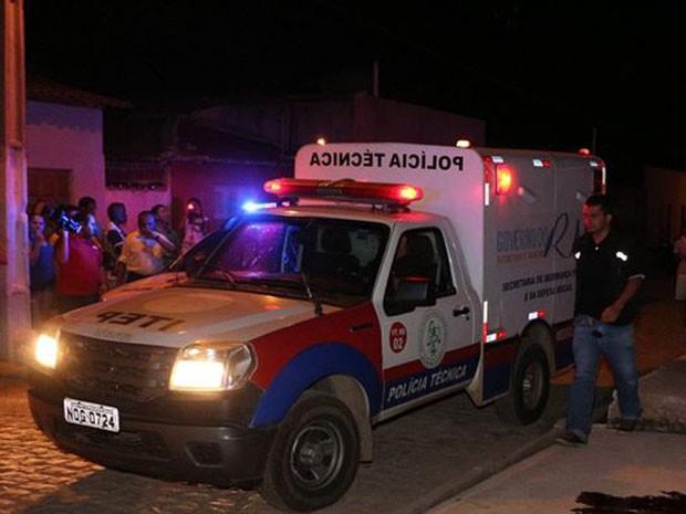 Crime aconteceu no bairro de Santo Antônio, em Mossoró (Foto: Marcelino Neto/G1)