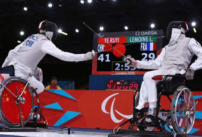 Esgrima em cadeira de rodas paralimpíadas londres 2012 (Foto: Getty Images)