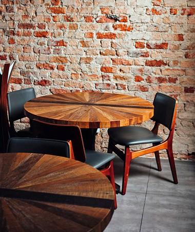 Na casa com 38 lugares, Rafa adota o padrão que trouxe da Europa: dois tipos de menus-degustação, só sob reserva (Foto: Ângelo dal Bó / Editora Globo)