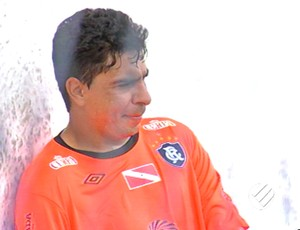 Edinho, zagueiro do Remo, voltou a treinar com bola (Foto: Reprodução/TV Liberal (Globo))
