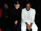Kim Kardashian está triste que Kanye West não vai ver o parto, diz revista