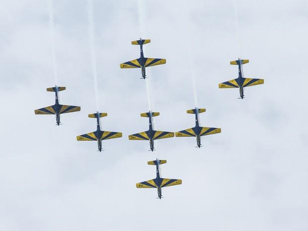 Os Tucanos serão substituídos pelos A-29 Super Tucano, aeronaves de caça da Força Aérea Brasileira. Os novos aviões têm o dobro de potência dos T-27, que tiveram sua primeira apresentação com a Esquadrilha da Fumaça em dezembro de 1983. Em 2012, a aeronaves bateram recorde com 130 demonstrações no ano. (Foto: Sargento Johnson/ Agência Força Aérea)
