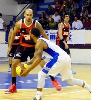 Flamengo x Macaé - basquete final estadual (Foto: Amanda Kestelman)
