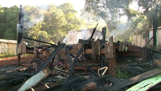 Vizinhos salvam crianças durante incêndio de casa em Francisco Beltrão