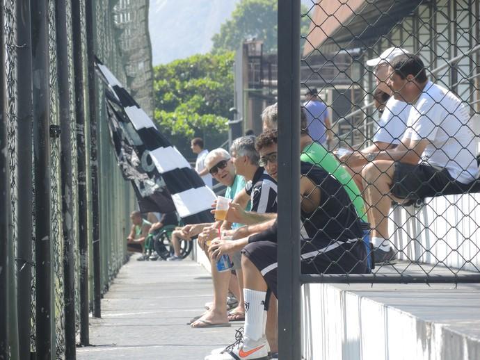 Torcida Botafogo General Severiano (Foto: Marcelo Baltar / GloboEsporte.com)