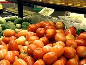 Preço do quilo do tomate apresentou alta de 26,63% em novembro, aponta pesquisa (Foto: Reprodução/RPCTV)