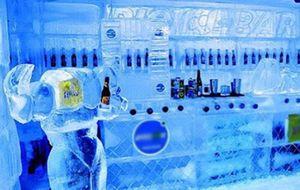 Para refrescar, Rio de Janeiro ganha bar de gelo durante o verão