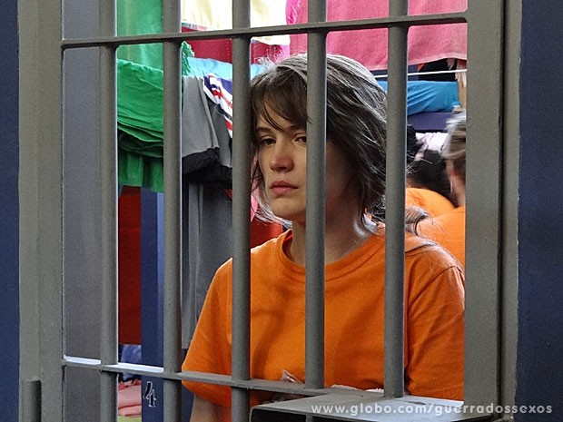 Carolina enfim presa (Foto: Guerra dos Sexos / TV Globo)