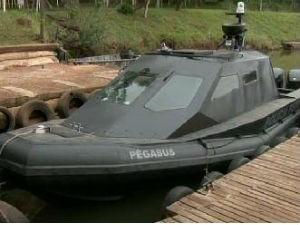 Lancha será utilizada por policiais federais de Guaíra (Foto: Reprodução / RPC TV)