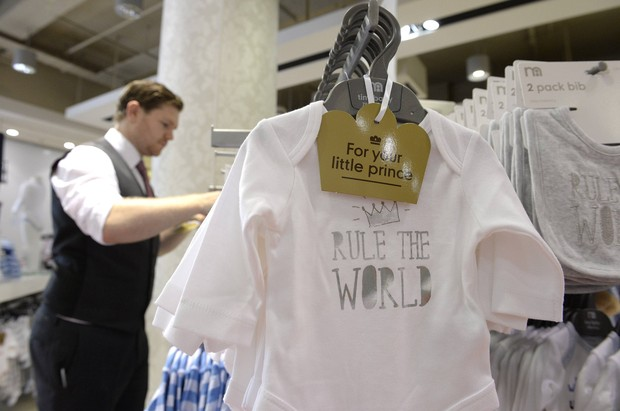 Body em homenagem ao bebê real (Foto: Reuters/ Agência)