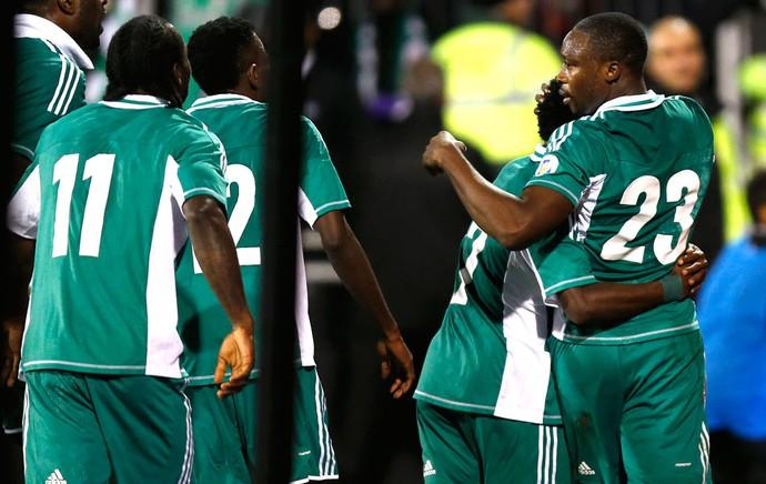 Comemoração da Nigéria contra a Itália (Foto: Agência AP )