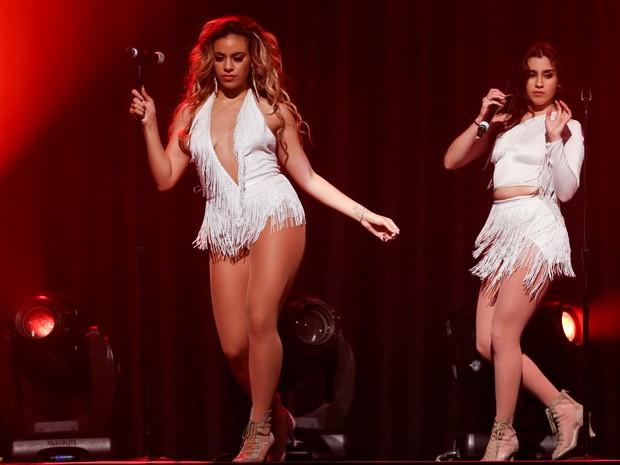 Dinah Jane Hansen e Lauren Jauregui em show do Fifth Harmony no Rio (Foto: Roberto Filho/ Brazil News)