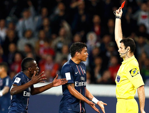 PSG director Leonardo bodychecks the ref mocking Thiago Silva's soft dismissal v Valenciennes