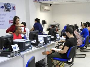 Funcionários passam por capacitação no período da manhã (Foto: Thiago Sampaio/Agência Alagoas)