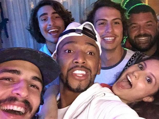 Brenno Leone, Bruno Montaleone, Nego do Borel, Francisco Vitti e Amanda de Godoi em festa no Rio (Foto: Instagram/ Reprodução)