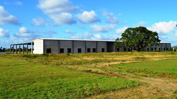 Galpões do CT do Itabaiana terão diversas salas para os atletas e diretoria  (Foto: Felipe Martins/GLOBOESPORTE.COM)